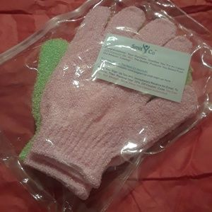 Pair of Bath Mits. Green and Pink